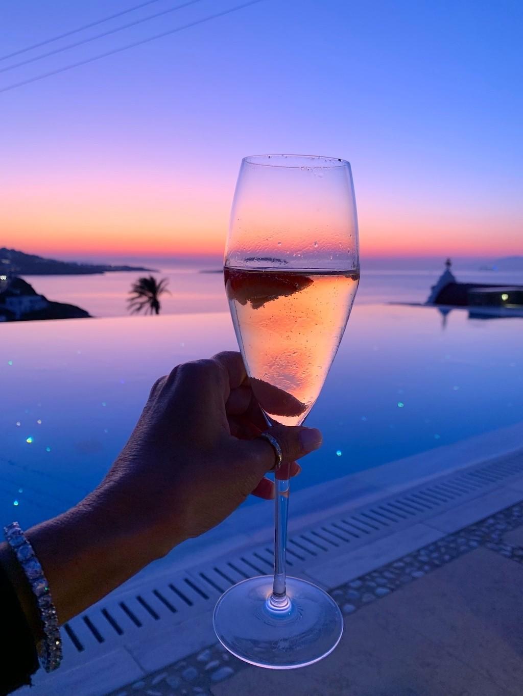Cheers-Mykonos